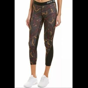Nike Pro Leggings Crop Chain Feather Print Mesh